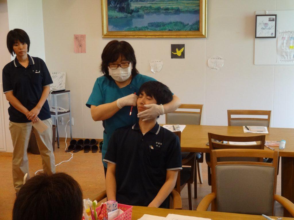 口腔ケア研修2